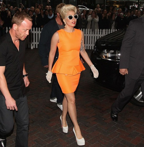 2-Lady-Gaga-Peplum-dress-600x611
