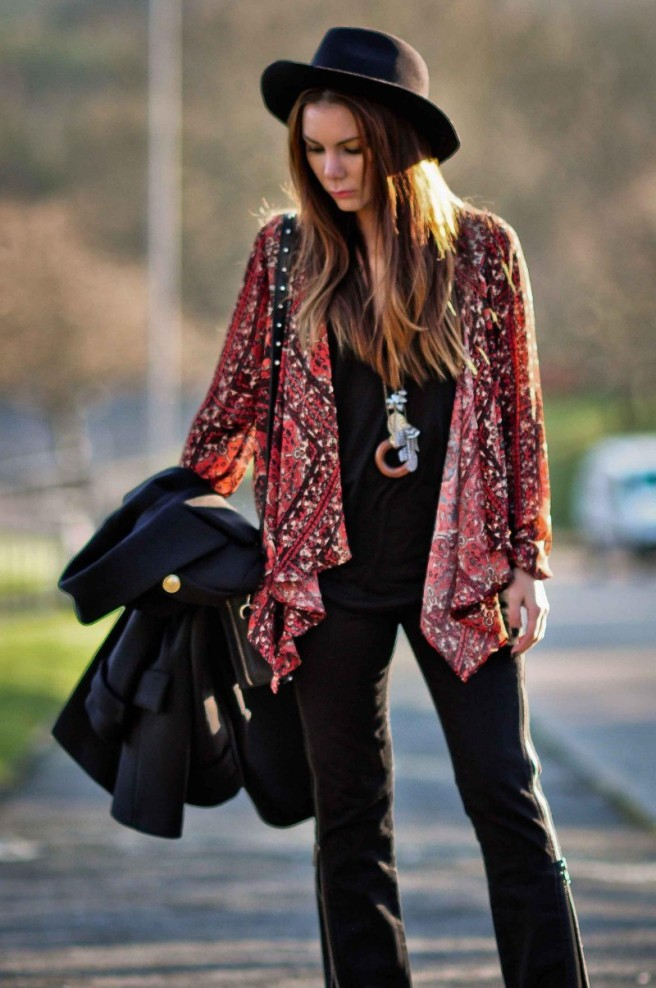 simona-mar-fashion-street-style-blog-bohemian-boho-urban-outfitters-ecoted-printed-tapestry-cardigan-deena-ozzy-studded-box-bag-dagmar-dora-zips-jeans-zara-vest-spikes-hat-coat