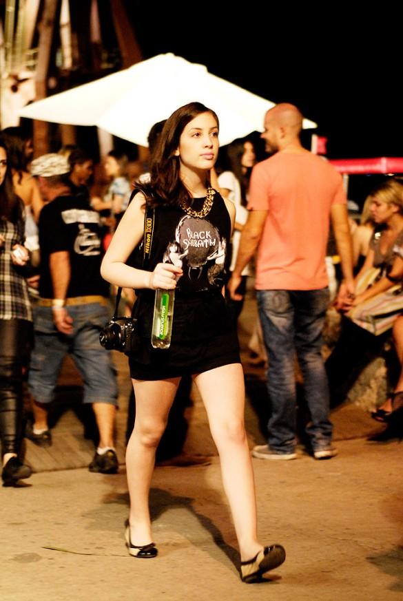 VSF5638-fashion-rio-street-style-blusa-de-banda-colar-corrente-saia-sapatilha-585x873