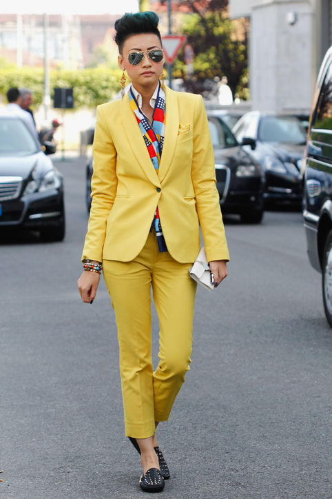 esther-quek-street-style-yellow-suit-h724