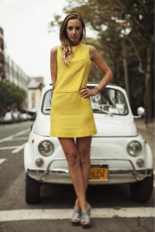 megan-collins-style-girlfriend-street-style-yellow-dress