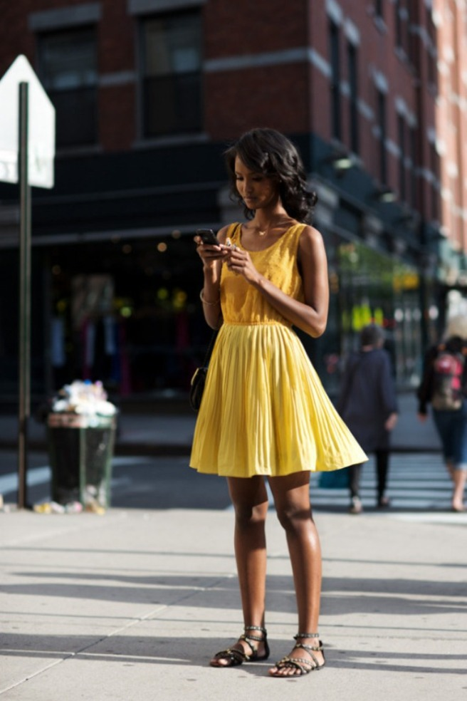 Street-Style-Yellow-Fashion-Notebook-15