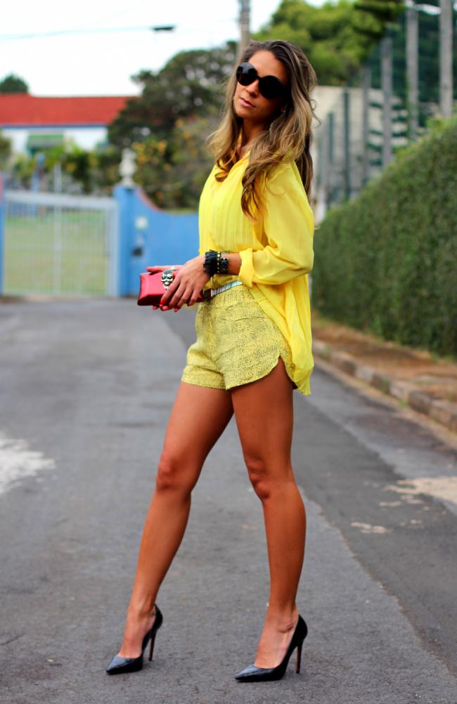 yellow-street-style